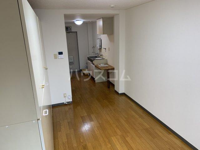 サンアベニュー谷津 202号室の居室