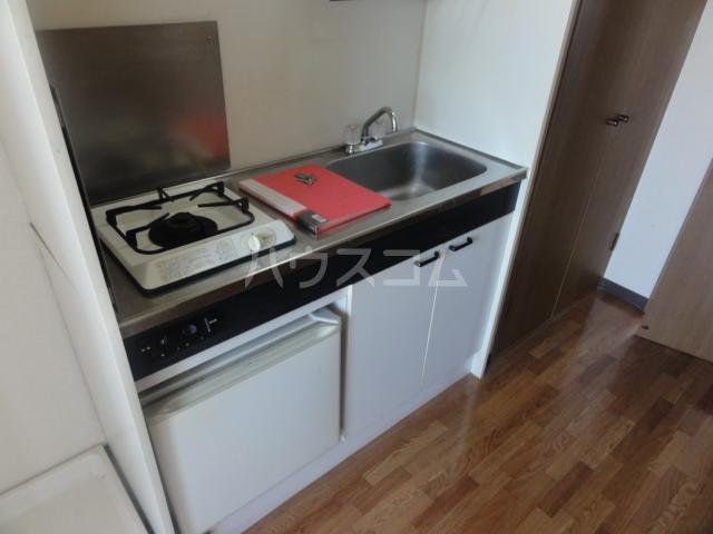 ラセーヌ柴田 2F号室のキッチン