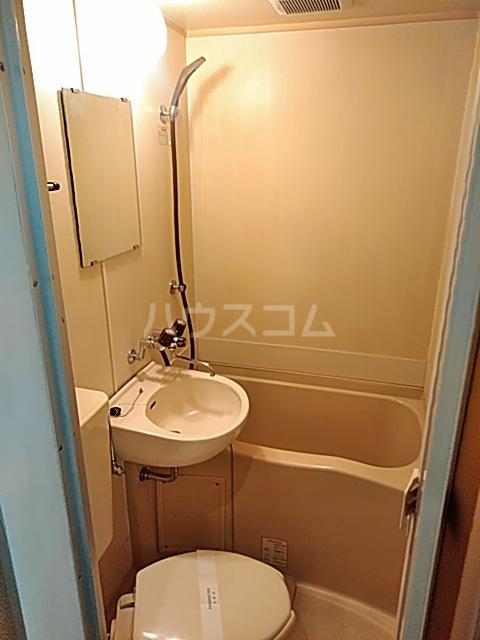 レオパレス松陰神社 106号室の風呂