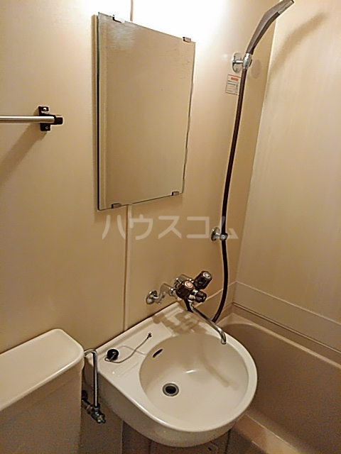 レオパレス松陰神社 106号室の洗面所