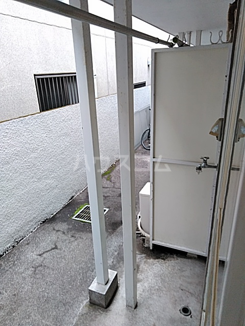 レオパレス松陰神社 106号室のバルコニー