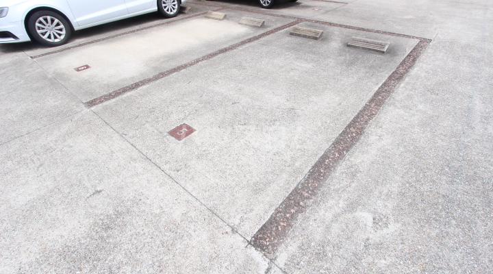 エミネンス 106号室の駐車場