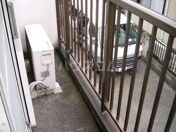 山平アパート 201号室のバルコニー