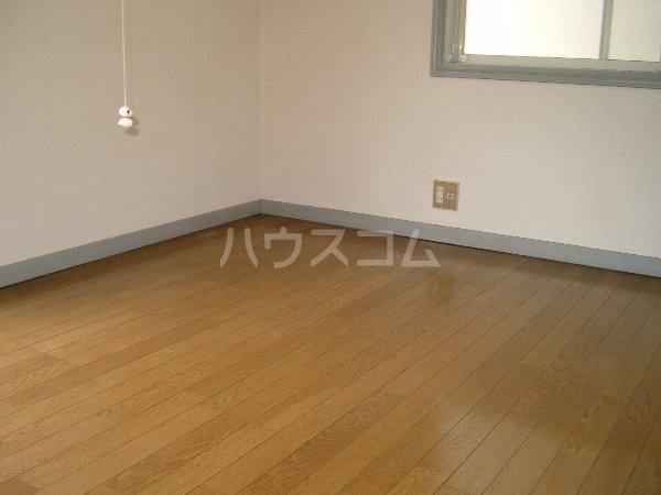 山平アパート 201号室の居室