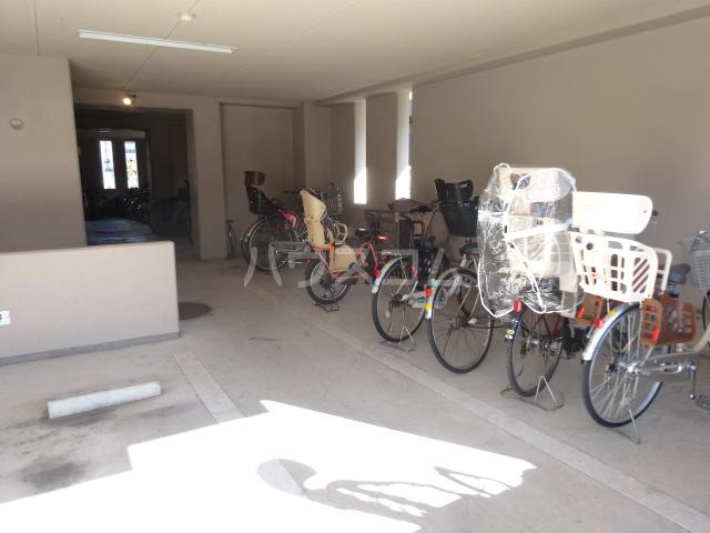 豊田神田町コーポラス 302号室の駐車場