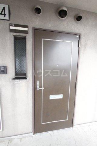 ル・プラン 403号室の玄関