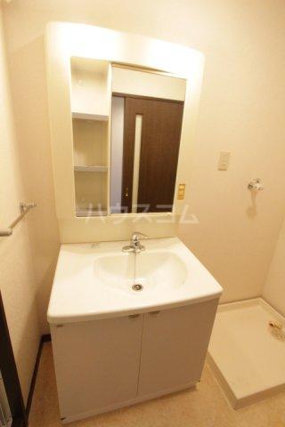 ル・プラン 403号室の洗面所