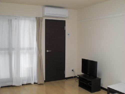 レオネクスト吉良吉田 105号室のベッドルーム