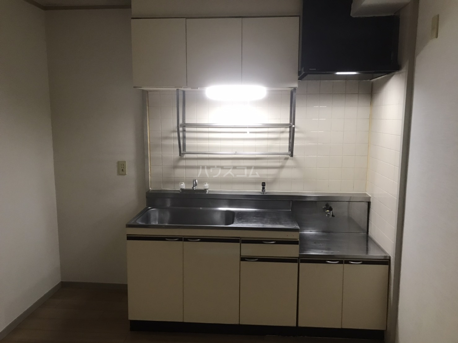 シャンボール鈴木 104号室のキッチン