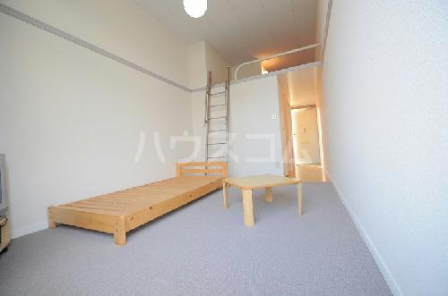 レオパレス中野川 101号室の居室