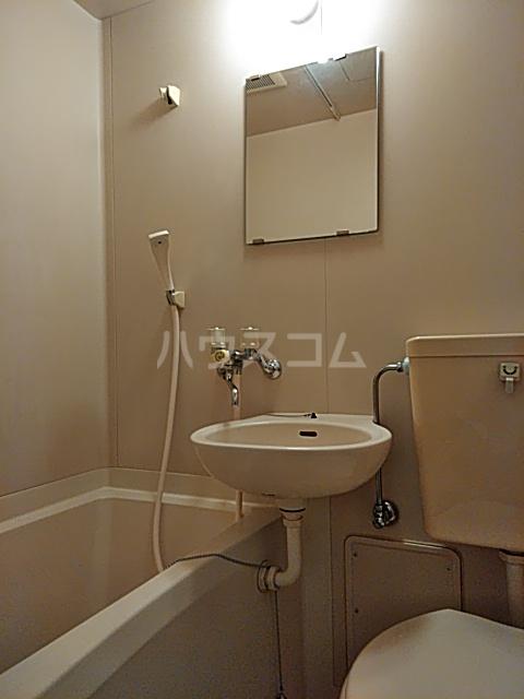 プレリュード狛江 203号室の風呂