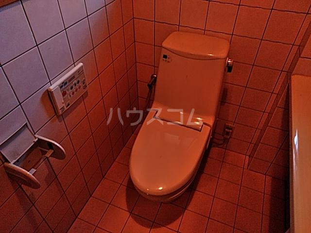 久保町貸家のトイレ