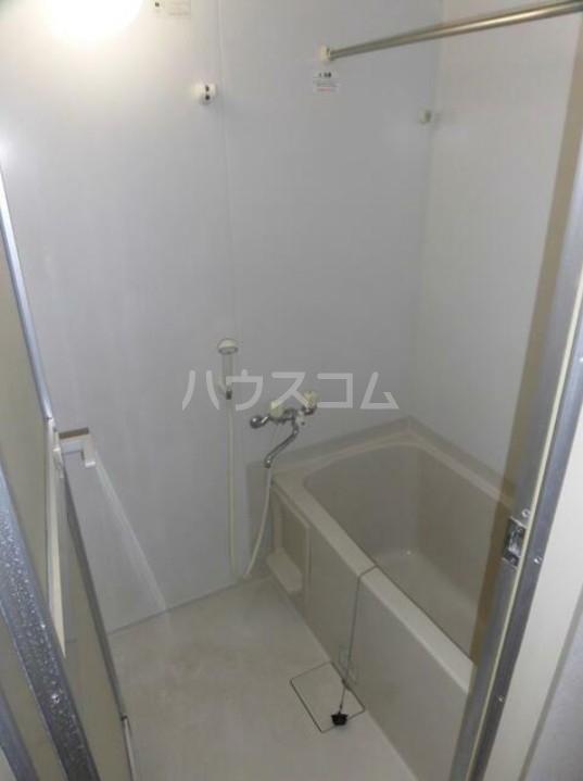 プラザスズキ 203号室の風呂