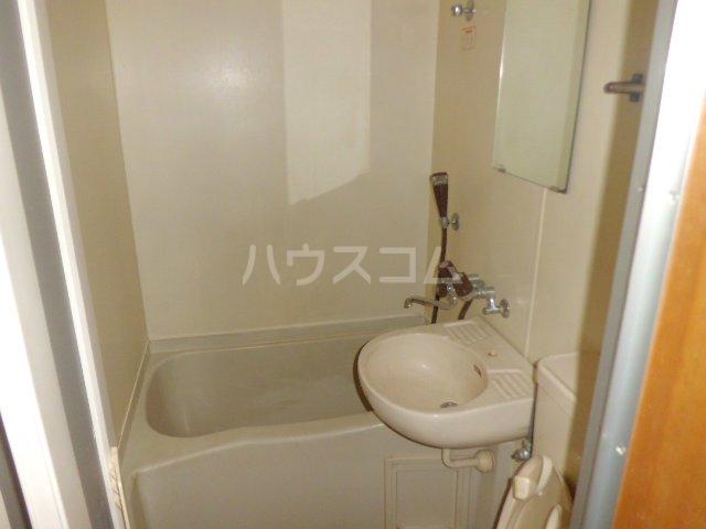 リード欠町 201号室の洗面所