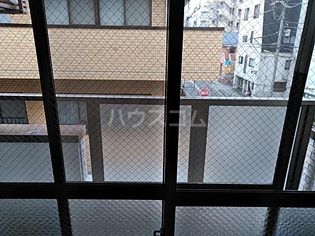 ワイズニール自由が丘 301号室のバルコニー