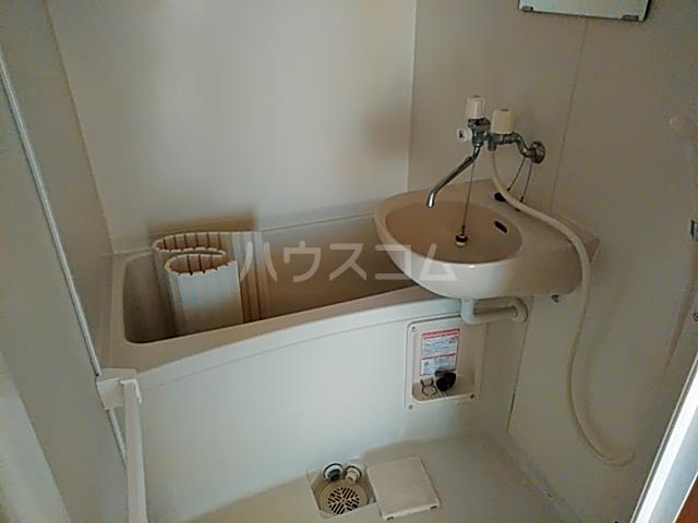 アーバン九品仏 301号室の風呂