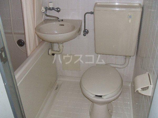 ルミエール玉堤 105号室のトイレ
