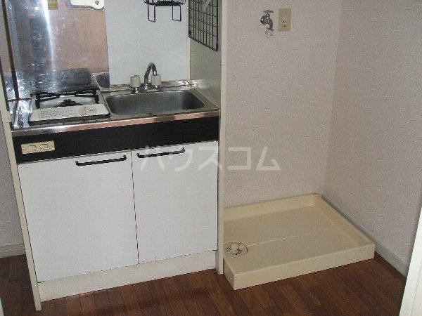 ルミエール玉堤 105号室のキッチン