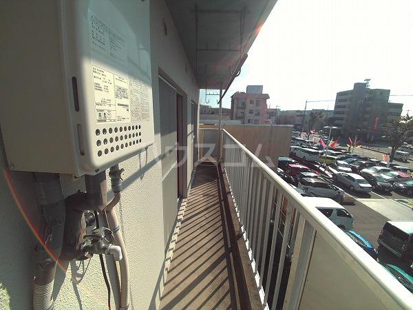 畔柳ハイツ 302号室のバルコニー