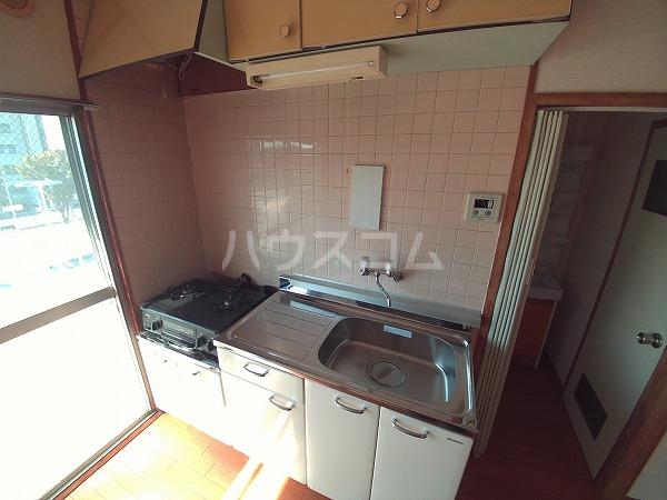 畔柳ハイツ 302号室のキッチン