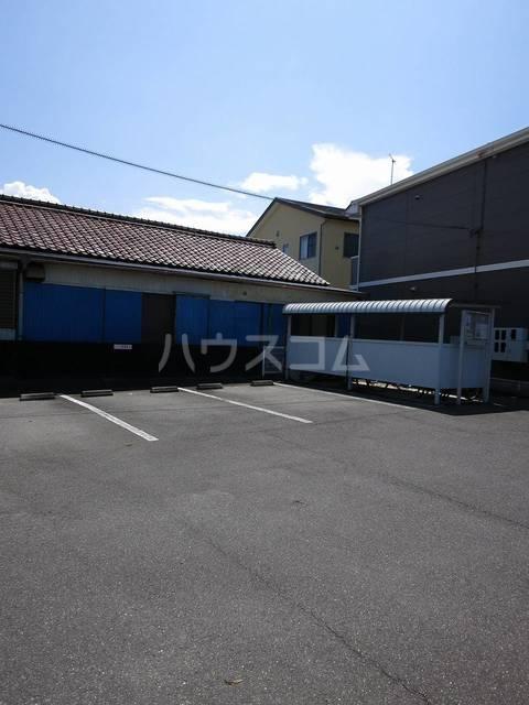 アメニティハイツA 01010号室の駐車場
