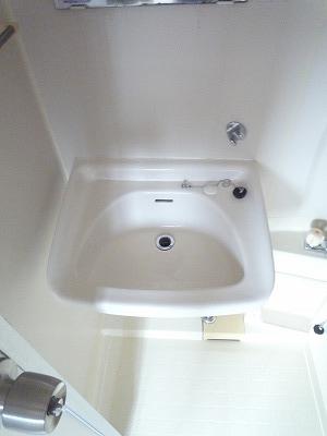 杉浦荘 3号室の洗面所