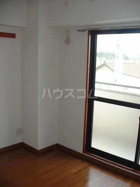 クルーズ タケムラ 403号室のリビング