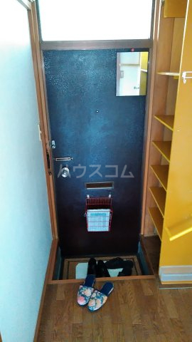 コーポ秋元 101号室の玄関