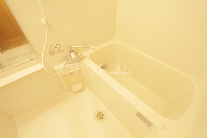 プランドール柿本 3F号室の風呂