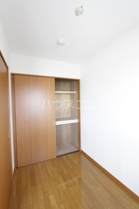 プランドール柿本 3F号室のベッドルーム