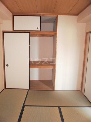 Casa ELEVATO 601号室の居室