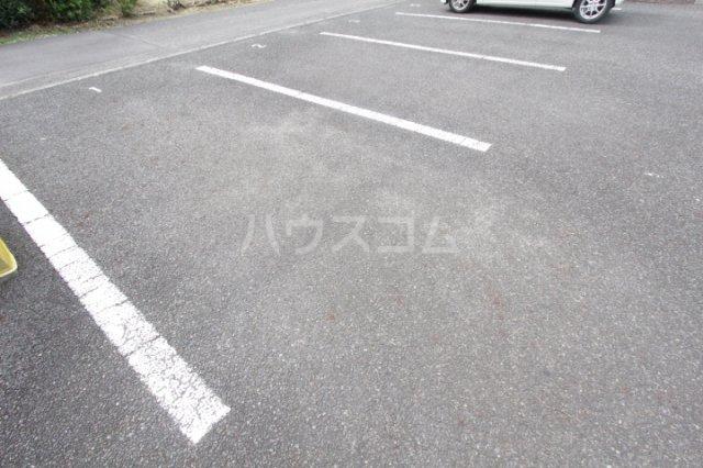 あおぞら 206号室の駐車場