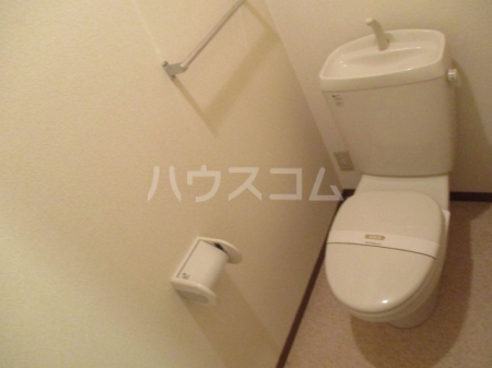 レインボー東 B 102号室のトイレ