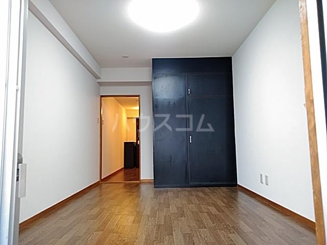 サンヨウハイネス 3057号室のリビング