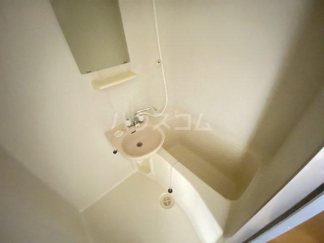 ウイング大久保 213号室の風呂