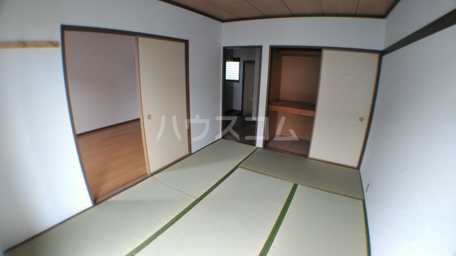 ファミーユ津田沼A棟 102号室の居室