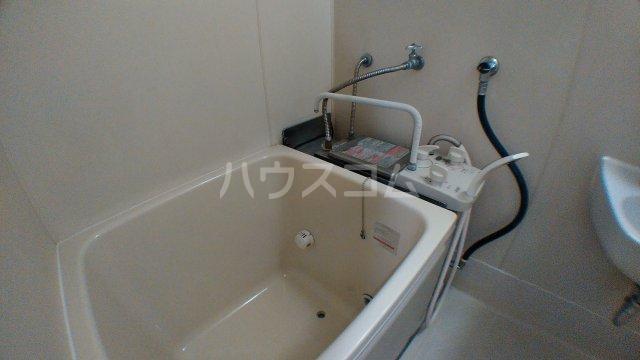 ファミーユ津田沼A棟 102号室の風呂