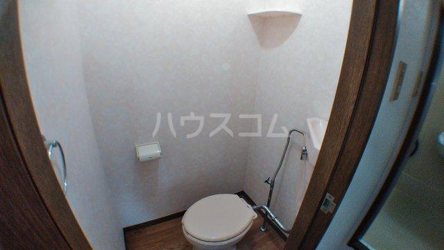ファミーユ津田沼A棟 102号室のトイレ