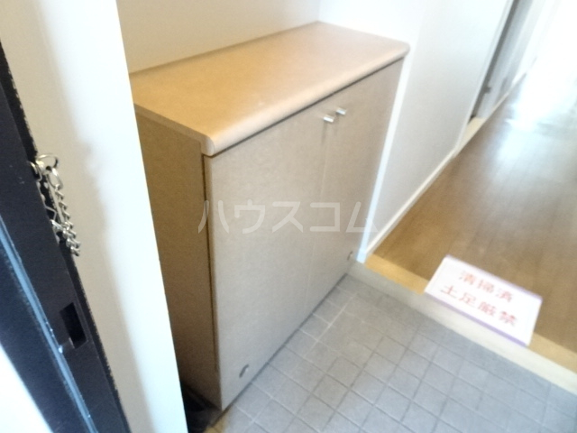 ビレッジハウス京ヶ峰タワー 513号室の玄関