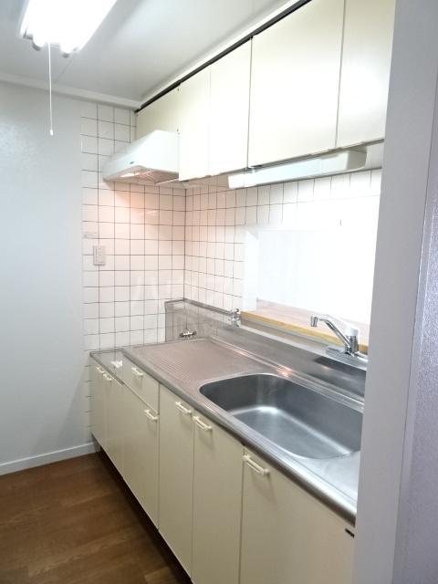 ビレッジハウス京ヶ峰タワー 513号室のキッチン