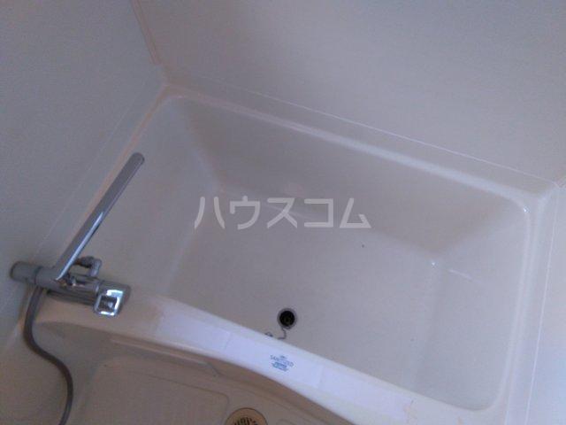 ラフォーレ西沢 103号室の風呂