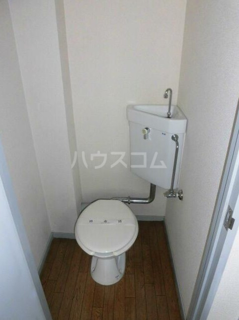 ハイツ自由が丘 103号室のトイレ