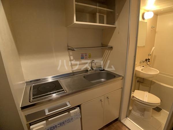レオパレス岡崎公園 110号室のキッチン