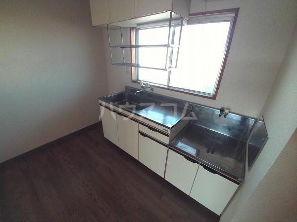 アプリコットハウス A 302号室のキッチン