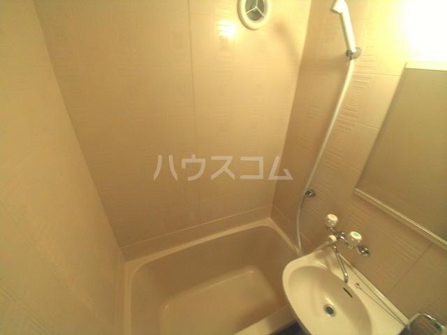 コーポひまわり 101号室の風呂