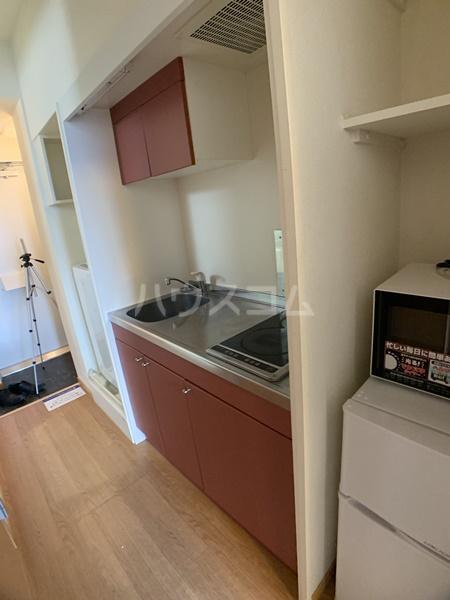 レオパレスバローネⅡ 105号室のキッチン