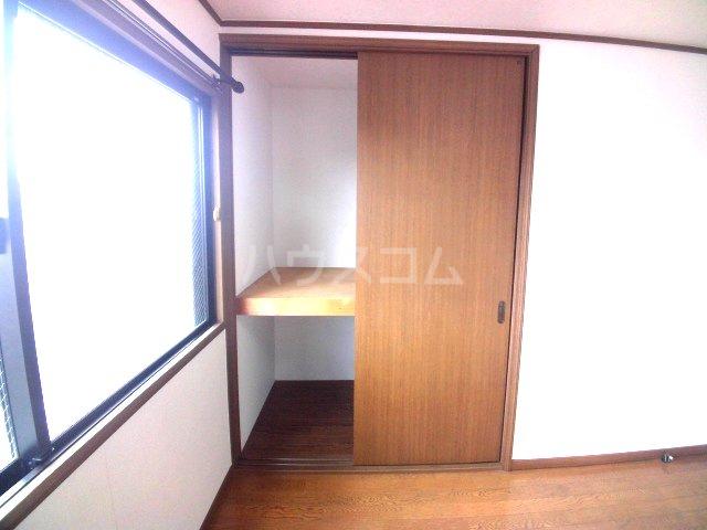 エスパシオ若葉 302号室の収納