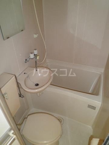 リード豊田 208号室の洗面所