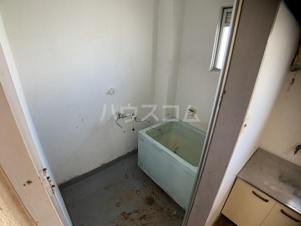 市川荘 206号室の風呂
