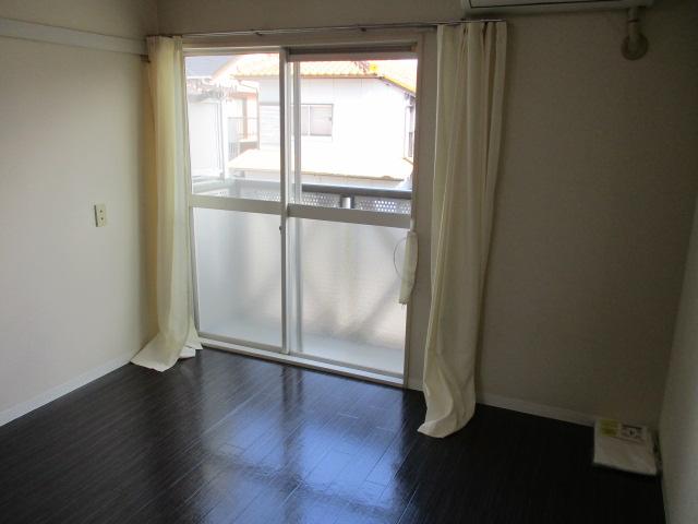 グレースハイツごとう 105号室のベッドルーム